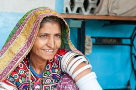 AvdBrink_India2017_Gujaratsmilinglady