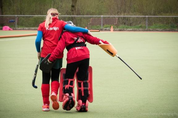 AvdBrink_NL2018_fieldhockeygirls